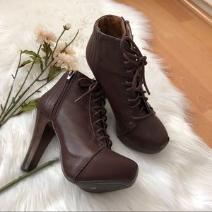 🎊5 for 25🎊Charlotte Russe lace up boots